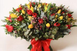 Džiuginkite moteris gėlėmis!