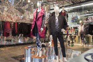 Apsuptas žinomų žmonių R. Kalinkinas pristatė laisvalaikio drabužių kolekciją