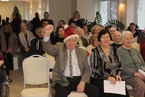 Senelių namų globotiniams – savivaldybės dovanos