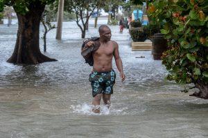 """Kuboje per uraganą """"Irmą"""" žuvo mažiausiai 10 žmonių"""