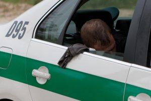 Uostamiestyje girti vairuotojai daužė automobilius