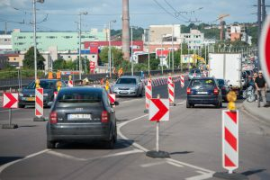 Užbaigtas svarbus Varnių tilto remonto etapas