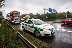 Dėl avarijos – penkių kilometrų spūstis