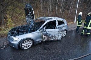 "Netoli ""Megos"" sudegė BMW automobilis"