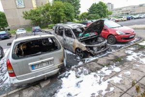Naktį Šilainiuose supleškėjo du automobiliai