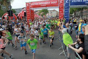 Klaipėdos gatves užtvindė vilties bėgikai