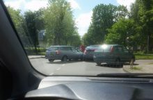 Avarija A. Baranausko gatvėje: susidarė didelės spūstys