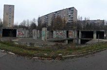 """Vilniaus savivaldybė turės nugriauti pastatą """"vaiduoklį"""" Žirmūnuose"""
