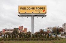 Štai taip Kaunas pasitinka popiežių Pranciškų!