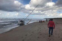 Nutraukta Baltijos jūroje dingusių vyrų paieška, išgelbėta mergina mirė <span style=color:red;>(papildyta)</span>