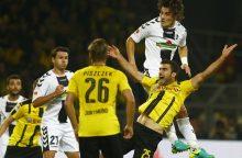 """""""Borussia"""" vienuolikė pavijo Vokietijos futbolo pirmenybių lyderį"""