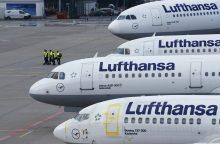 """""""Lufthansa"""" planuoja įsigyti """"Boeing 737 MAX"""" arba """"Airbus A320neo"""""""