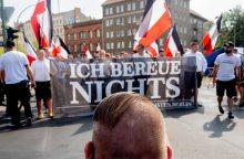 """Berlyne eitynes surengę neonaciai skandavo """"Aš nieko nesigailiu"""""""