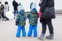 Įstatymo projekte išplečiamos galimybės iš tėvų paimti vaikus