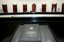 KT patikslino, kada galima pradėti apkaltos procedūrą Seimo nariui