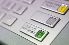 Vilniuje užsieniečiai bandė apvogti bankomatą