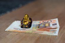 Finansų ministerija – už baudas dėl nepagrįstų pajamų