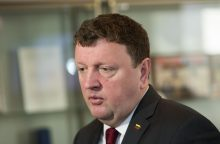 Svarstoma, ar liudytojai į Seimo komisiją gali siųsti advokatus