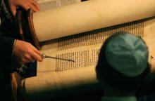 Į Vilnių grįžta 350 metų senumo Tora