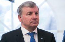 Renginiuose sirgdamas dalyvavęs R. Sinkevičius žada atsisakyti ligos išmokų