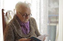 Vienatvės kaina: senolė prasitarė bijanti užmiršti, kaip kalbėti