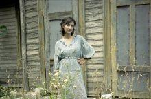 Fotografijų parodoje – senelių drabužius vilkintys 192 jauni žmonės