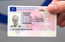 Ministerijos planas – įteisinti leidimą važinėti be vairuotojo pažymėjimo