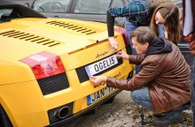 Š. Banevičius ir J. Gricius automobilį papuošė išskirtiniais numeriais