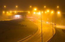 Naktį laukiama šlapdribos, lietaus, vietomis tvyros rūkas