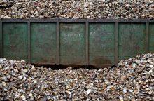 Britanija žada per 25-erius metus eliminuoti nebūtinas plastiko atliekas