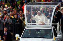 Popiežius Agluonoje prašo latvių aukotis kitų labui
