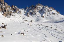Stebuklas: sniego lavinos palaidotas berniukas po 40 minučių ištrauktas gyvas