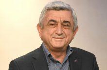 Atsistatydino Armėnijos premjeras