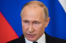 V. Putinas vyks į Austrijos diplomatijos vadovės vestuves