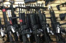 Apklausa: Las Vegaso šaudynės nepakeitė nuomonės apie ginklų kontrolę