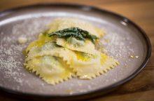 Itališko maisto gerbėjams – naminių raviolių su špinatais receptas