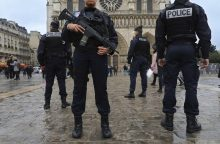 Paryžiuje policininkas nušovė tris asmenis ir nusišovė pats