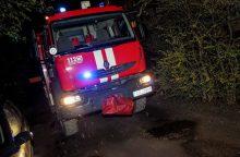 Molėtų rajone atvira liepsna dega namas