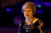 """Artėjant """"Brexit"""" terminui Th. May susitinka su savo ministrais"""