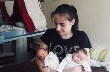 Įkvepianti istorija: dvynių seserų kova už gyvenimą prasidėjo dar įsčiose