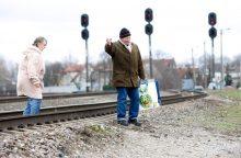 Prie geležinkelio – reidas klaipėdiečiams: bebaimiai trumpino kelią