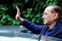 80-ąjį gimtadienį S. Berlusconi švenčia su 30-mete drauge