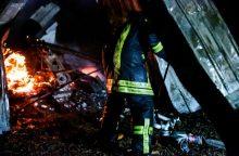 Nelaimė Kauno rajone: vienas sudegė, keturi išgelbėti