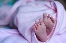 """Ukrainoje gimė pirmasis pasaulyje """"trijų tėvų"""" kūdikis"""