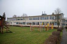 Dar vienai Kauno vaikų darželio darbuotojai pareikštas įtarimas skriaudus mažylius