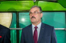 """Iš sūnaus bendrovės autobusus įsigijusiam """"Kauno autobusų"""" vadovui gresia atleidimas"""