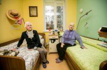 Kas turėtų padengti senjorų gyvenimo globos namuose kaštus?