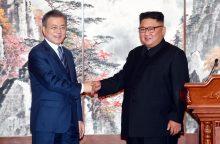 Šiaurės Korėjos lyderis žada uždaryti raketų bandymų kompleksą