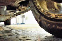 Techninės apžiūros kontrolieriai: vairuotojai vis dar žaidžia rusišką ruletę