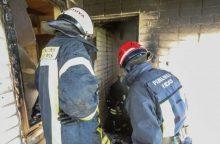 Joniškio rajone liepsnojo namas, įtariamas padegimas